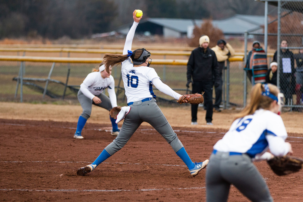 Softball Takes Home Tournament Title