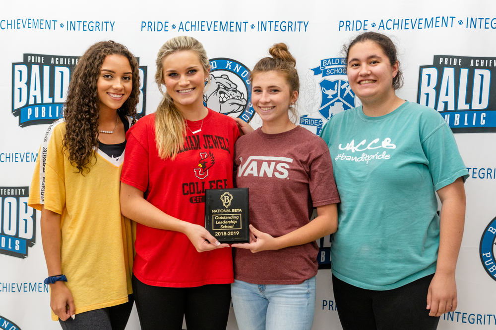 Beta Officers Receive Award